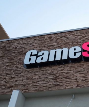Netflix Finalizing GameStop Stock Movie Package; Mark Boal In Talks To Write, Noah Centineo Attached, Scott Galloway To Consult