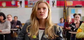 First Trailer for Amy Poehler's 'Moxie' Film About a High School Zine